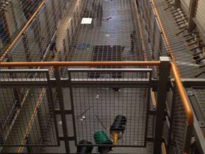 Εξέγερση – μαμούθ με συμμετοχή 300 κρατουμένων σε φυλακές του Μπέρμιγχαμ