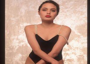 Αντζελίνα Τζολί: Όταν ήταν 16 ετών και πόζαρε με εσώρουχα! [pics]