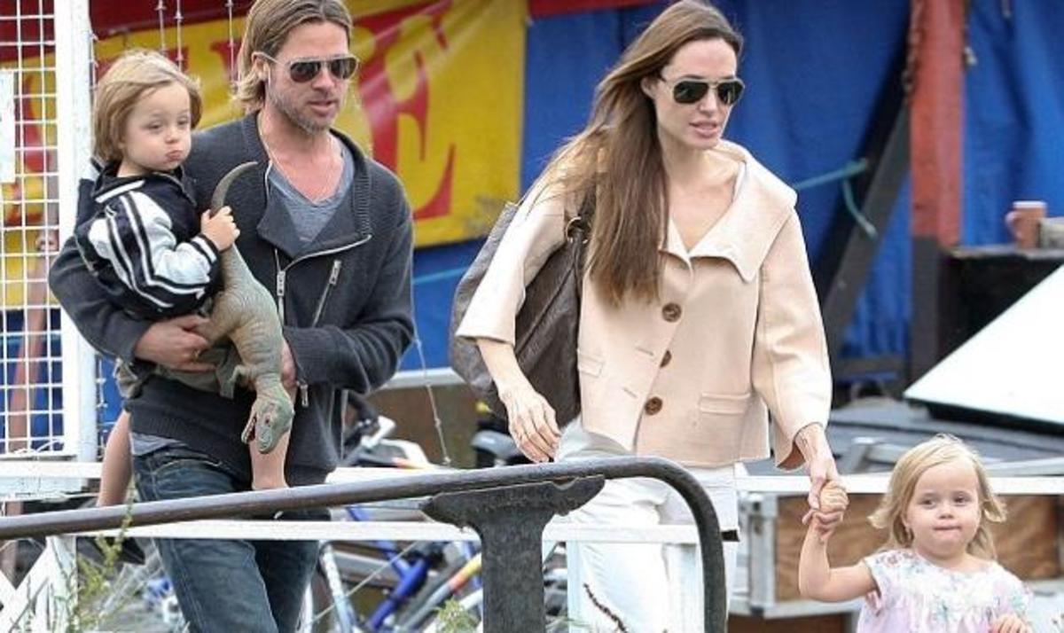 Ούτε μία ούτε δύο!12 νταντάδες κουβάλησαν μαζί τους στις διακοπές Jolie-Pitt!   Newsit.gr