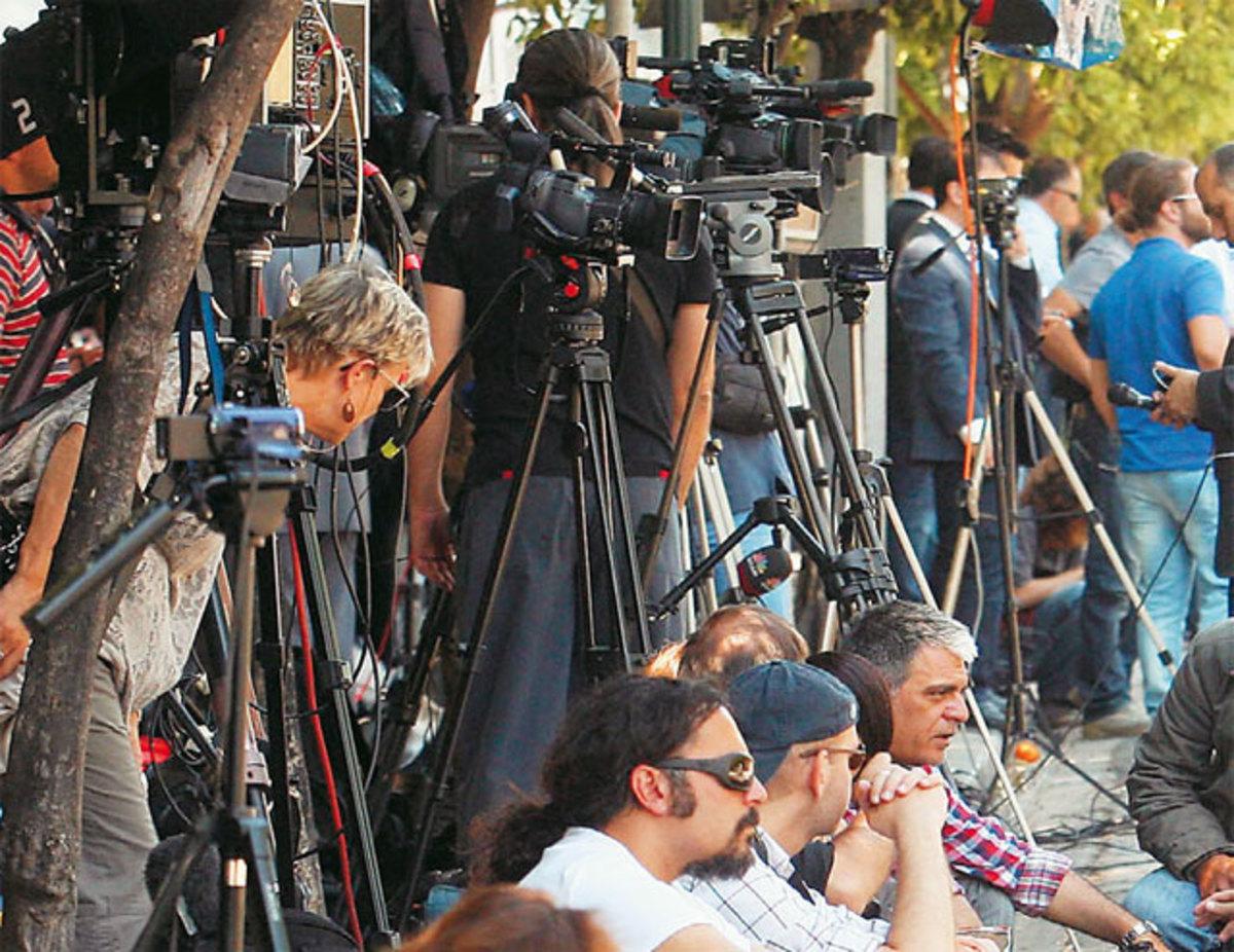 «Απόβαση» ξένων δημοσιογράφων στην Ελλάδα για τις κρίσιμες εκλογές | Newsit.gr