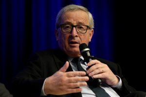 Γιούνκερ: Ξεχάστε μέτρα για το χρέος το Μάιο – Όχι άλλες περικοπές στους συνταξιούχους