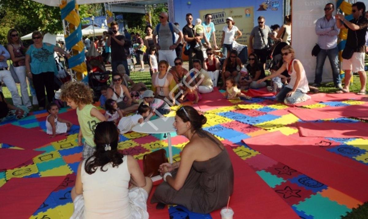Καμπούρη – Καραβάτου – Λαφαζάνη: Σε εκδήλωση μαζί με τα παιδιά τους! | Newsit.gr
