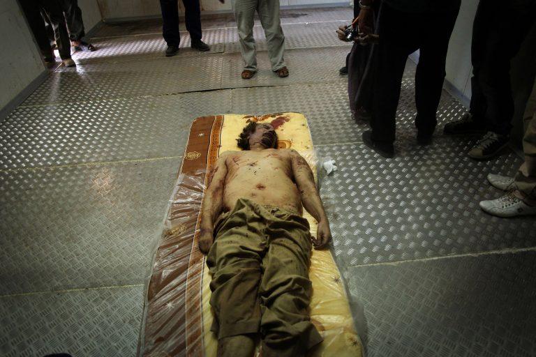Ο οδηγός του Καντάφι για τις τελευταίες στιγμές του: «Φαινόταν σαν να μην ήξερε τι να κάνει» | Newsit.gr