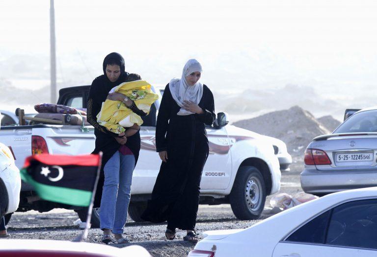 Οπαδοί του Καντάφι ζητούν εκεχειρία | Newsit.gr