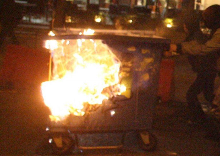 Καρδίτσα: Έκαψαν οκτώ μηχανικούς κάδους | Newsit.gr