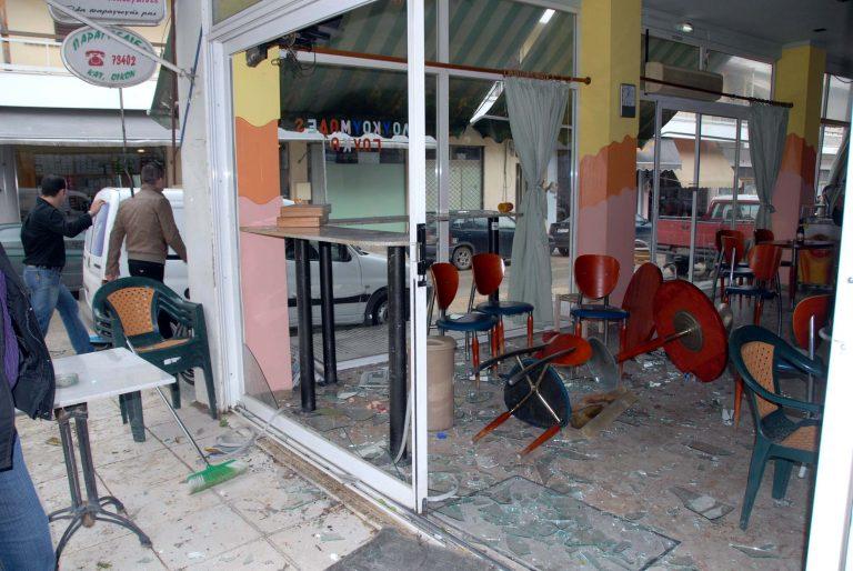 Αχαϊα:Πετάχτηκε από το κρεβάτι και τα έβαλε με… κλειστό κατάστημα!   Newsit.gr