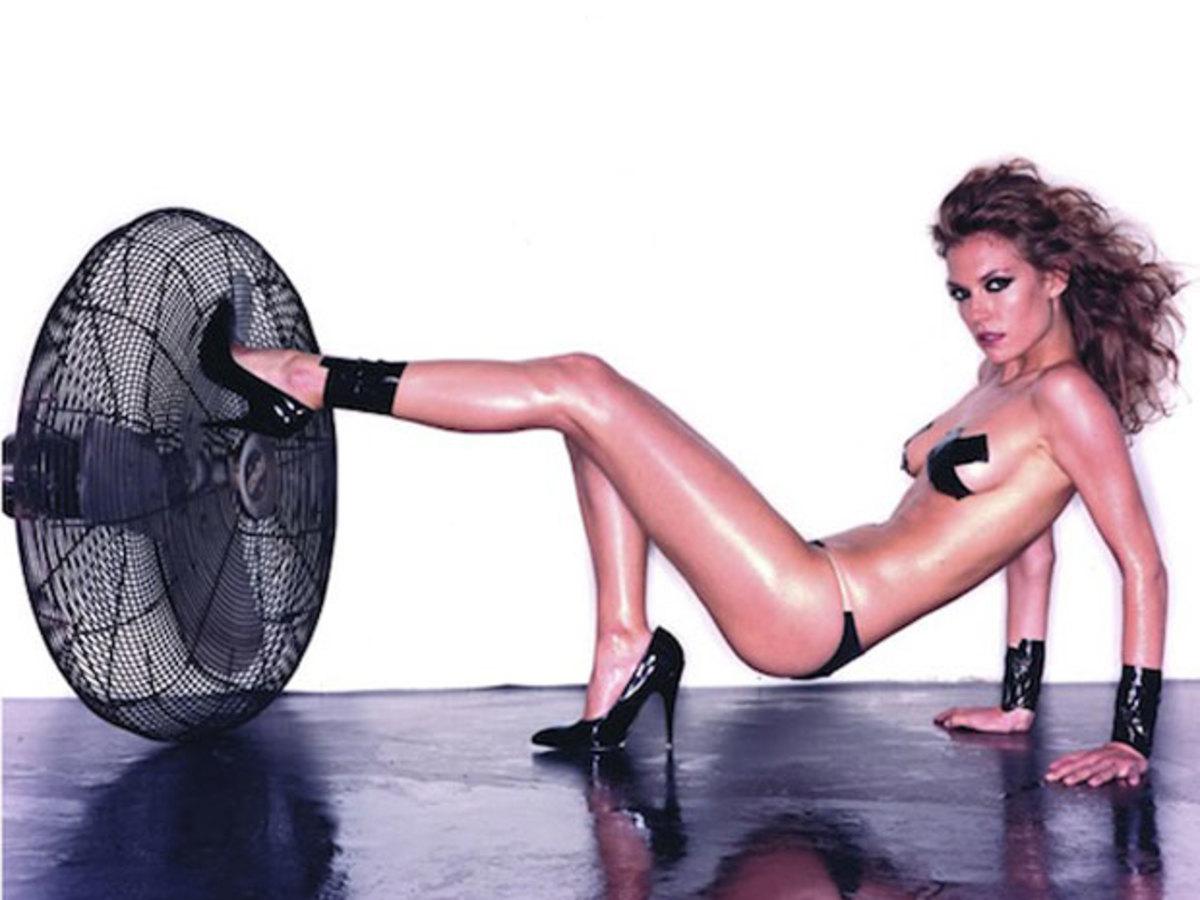 Όταν η Βίκυ Καγιά έκανε σέξι φωτογραφίσεις! | Newsit.gr