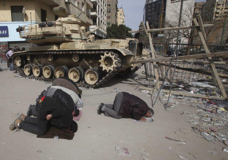 «Παγώνει» η Γερμανία τις εξαγωγές όπλων προς την Αίγυπτο | Newsit.gr