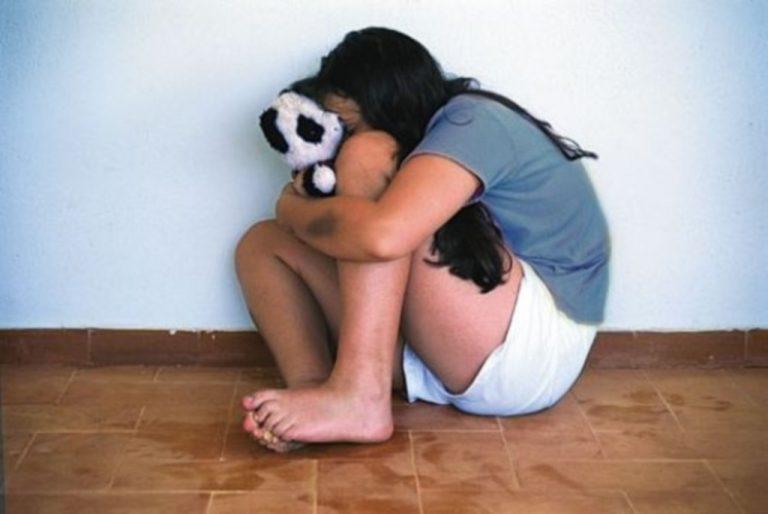 Kυπαρισσία: Βίαζε και έδερνε τις ανήλικες αδερφές του! | Newsit.gr