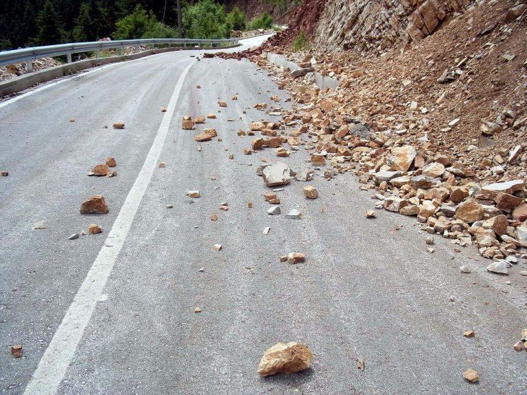 Κατολισθήσεις στα ορεινά της Αχαΐας λόγω της βροχόπτωσης | Newsit.gr