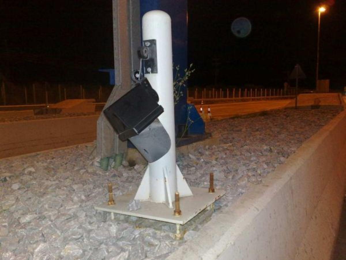 Φθιώτιδα: »Σήκωσαν τις μπάρες, έσπαγαν και έβριζαν τις μάνες μας»! | Newsit.gr