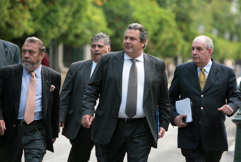Δυσαρεστημένοι οι Ανεξάρτητοι Έλληνες με τον Κάρολο Παπούλια | Newsit.gr