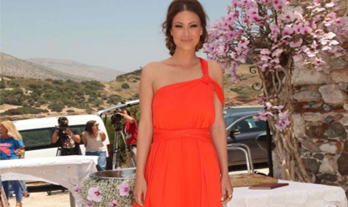 Το ριξε έξω η Δέσποινα Καμπούρη!Που διασκέδασε; | Newsit.gr