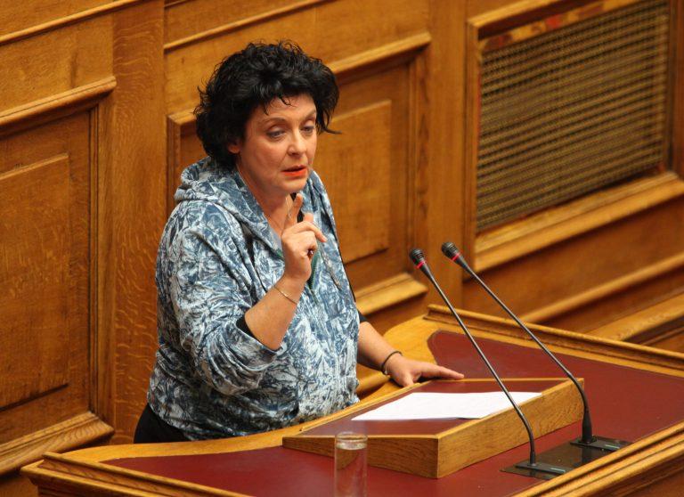 Κανέλλη: Τραβήχτηκε η κουρτίνα και φάνηκε το ζονκ | Newsit.gr