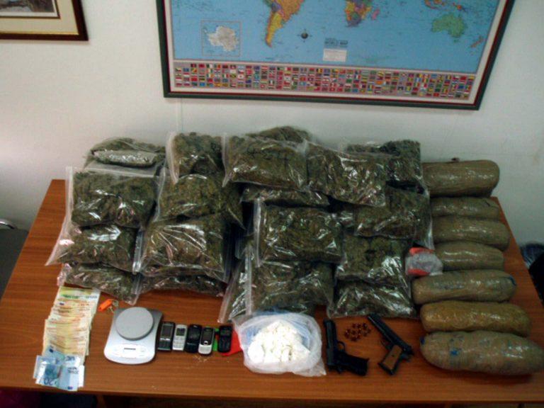 Θεσσαλονίκη: Πήγε να πουλήσει ναρκωτικά σε αστυνομικό | Newsit.gr