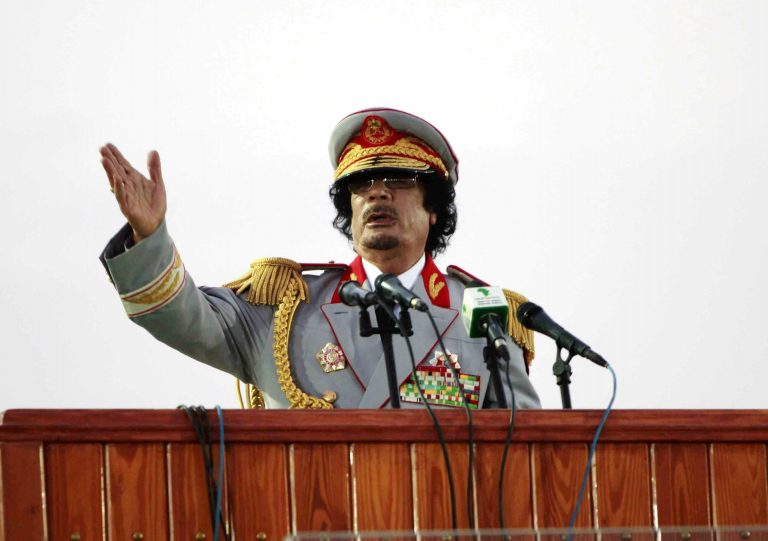 Πως ο Καντάφι απήγαγε και βίαζε έφηβες – Συγκλονιστικές ιστορίες   Newsit.gr