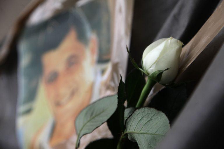 Ψάχνουν πόρτα-πόρτα τους δολοφόνους του Μανώλη | Newsit.gr