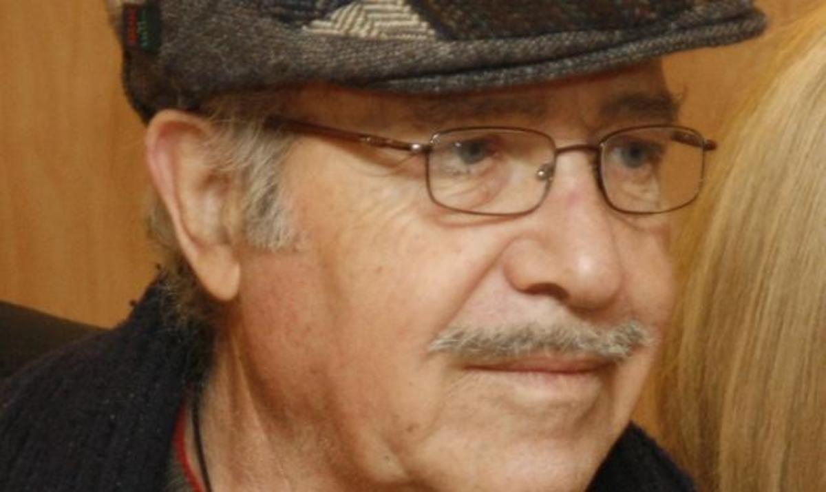 Βαθιά συγκίνηση για το θάνατο του Θύμιου Καρακατσάνη   Newsit.gr