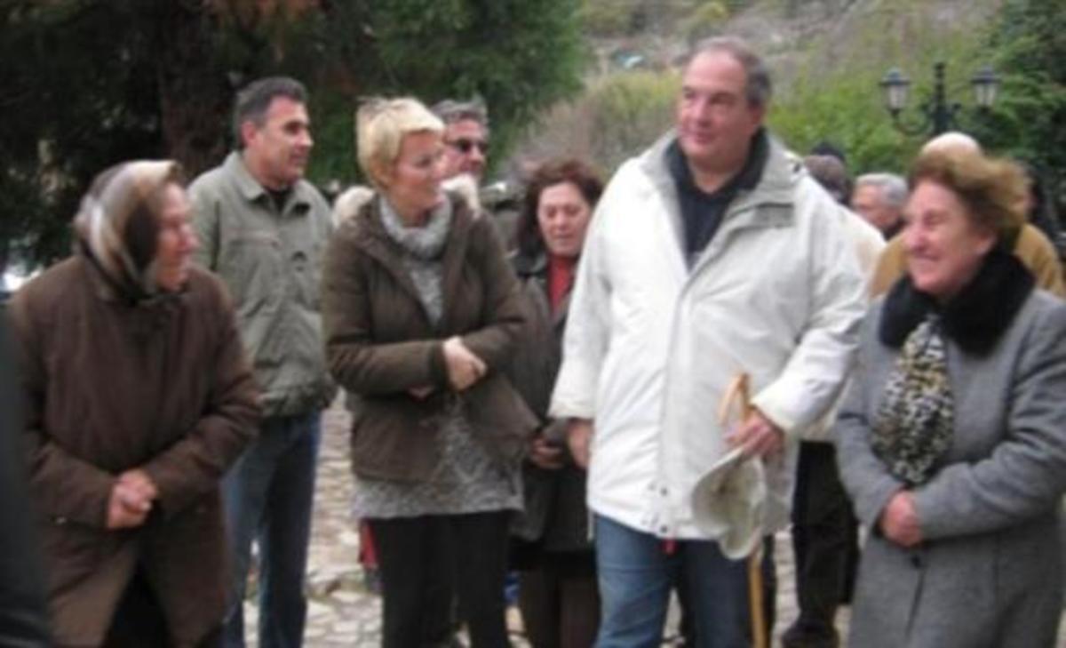 Ηλεία: Στιγμές χαλάρωσης με φίλους για τον Κώστα Καραμανλή   Newsit.gr