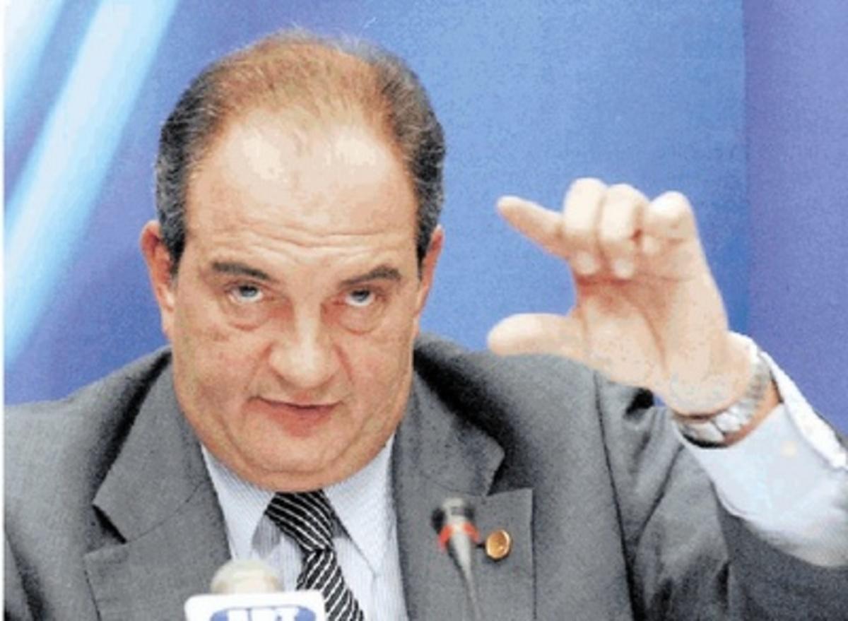 Συναισθηματικός αλλά «άχρωμος» ο Καραμανλής | Newsit.gr