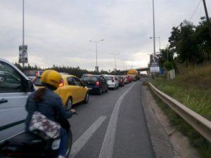 Θεσσαλονίκη: Καραμπόλα τεσσάρων αυτοκινήτων στην Περιφερειακή – Πληροφορίες για τραυματία