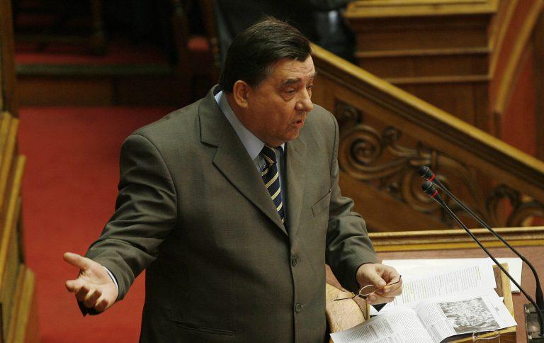 Απειλεί ξανά να αποσύρει τους υπουργούς του ο Γ. Καρατζαφέρης | Newsit.gr