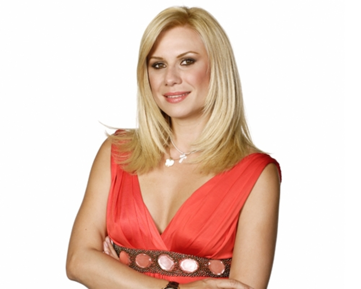 Κατερίνα Καραβάτου απέναντι  στον Σάκη Ρουβά | Newsit.gr