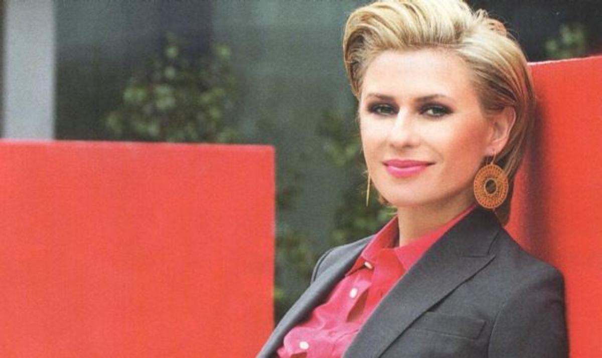 Κ. Καραβάτου: Οι δυσκολίες που πέρασε όταν έλειπε ο Κρατερός από το σπίτι και τα κιλά της εγκυμοσύνης!   Newsit.gr