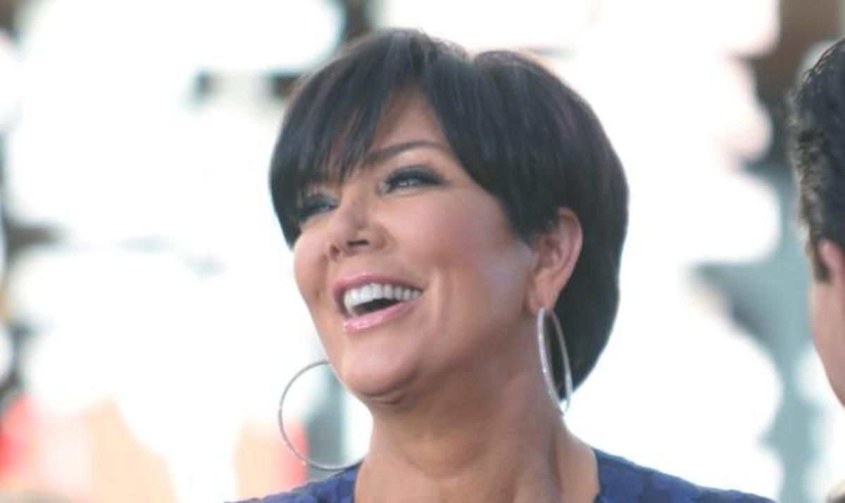 H μητέρα της Kardashian αποκαλύπτει πως της χορηγούσε αντισυλληπτικά από τα 14 χρόνια της | Newsit.gr