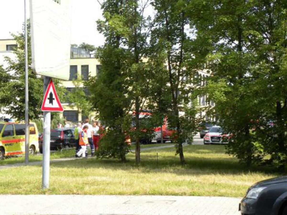 Θρίλερ στην Καρλσρούη: Τους έπιασε ομήρους όταν επιχείρησαν να του κάνουν έξωση – Πληροφορίες για έναν νεκρό | Newsit.gr