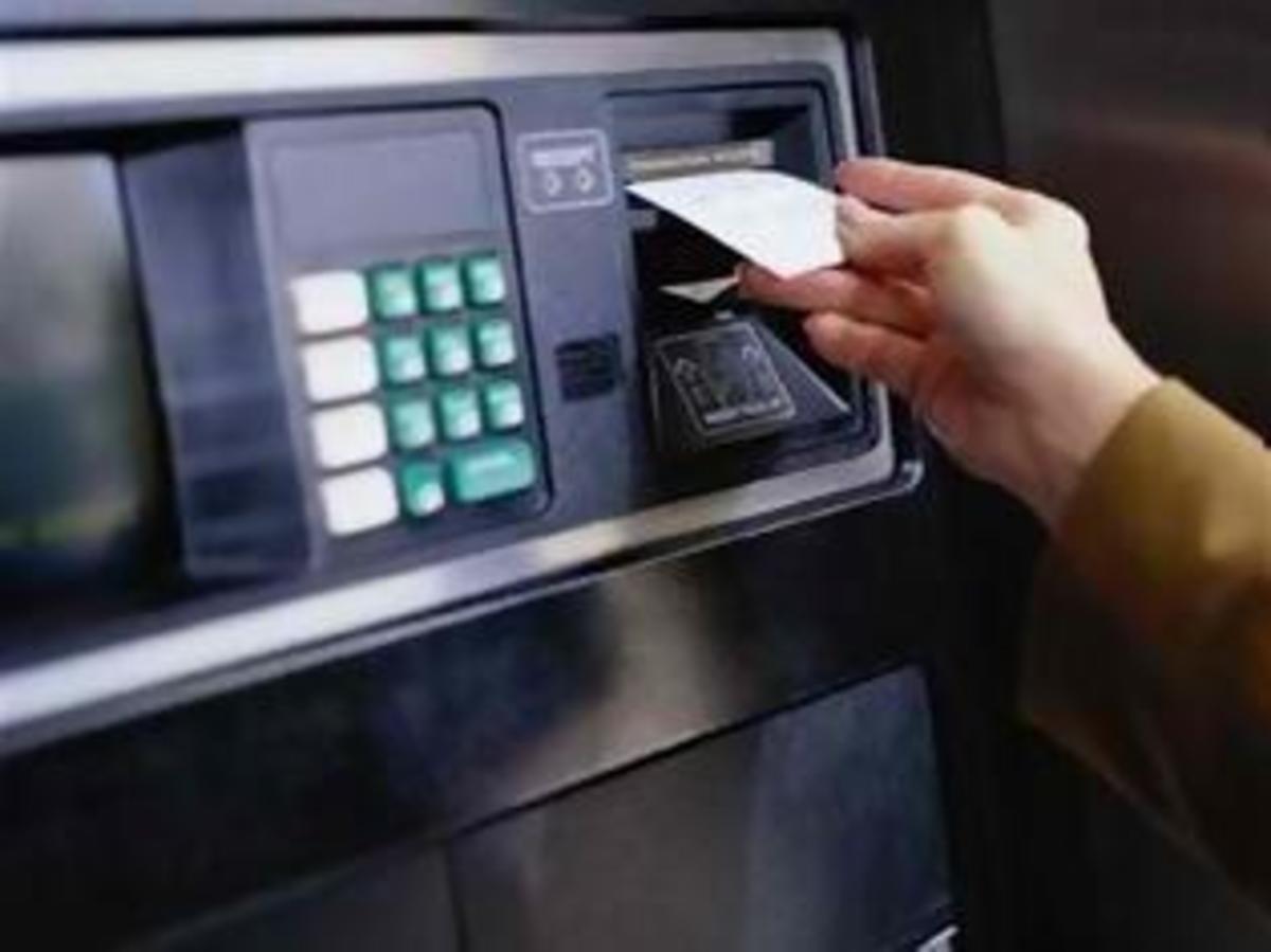 Ηράκλειο: Έκλεψε το πορτοφόλι και πήγε για ανάληψη   Newsit.gr