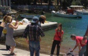Ιθάκη: Όταν έφερε την ψαριά στο λιμάνι, όλοι ήθελαν να την φωτογραφίσουν [pics]