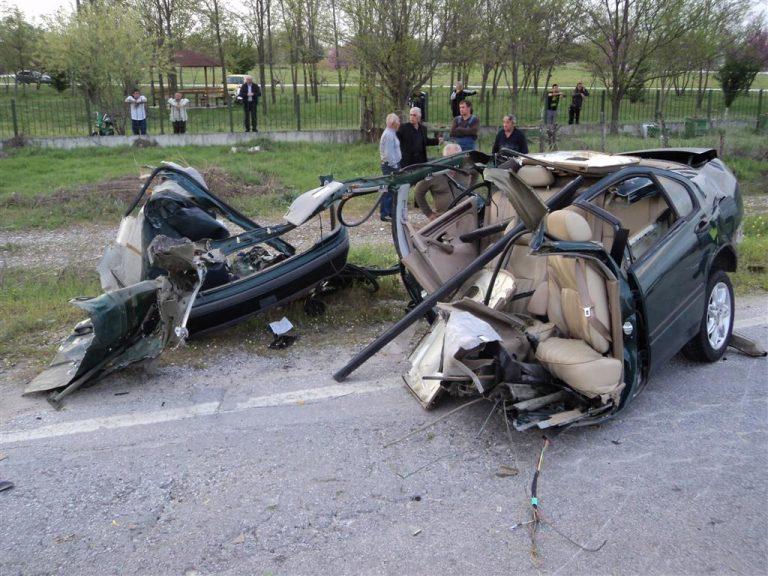 Θανατηφόρο τροχαίο με δύο νεκρούς στα Τρίκαλα | Newsit.gr