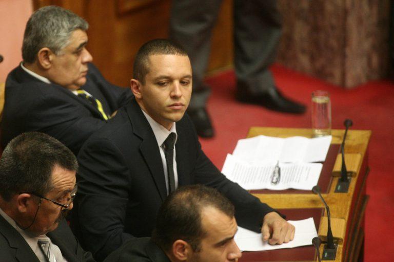 Η προσοχή της Χρυσής Αυγής και η αποχώρηση του ΣΥΡΙΖΑ – Η ΝΔ… αποθεώσε το ΠΑΣΟΚ! – Στιγμές από τη Βουλή – Δείτε ΦΩΤΟ και VIDEO | Newsit.gr
