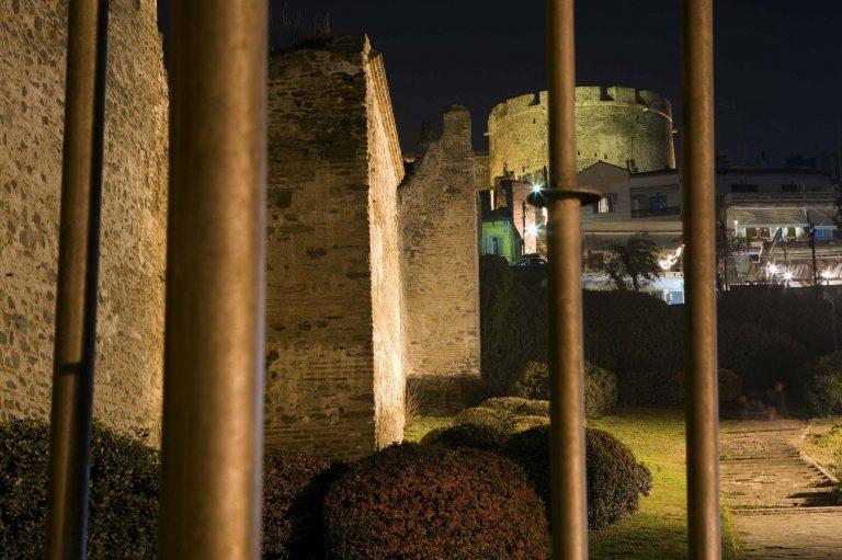 Θεσσαλονίκη: Κατεδαφίζουν τα σπίτια στο τείχος | Newsit.gr