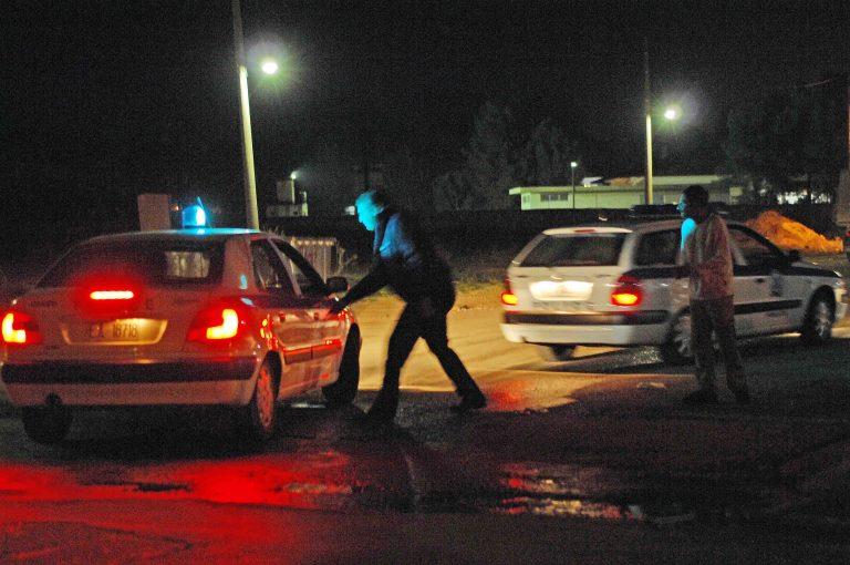 «Γάζωσε» το αυτοκίνητο κτηνοτρόφου γιατί έκλεισε το δρόμο   Newsit.gr