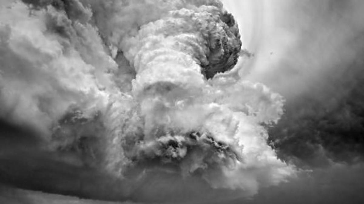 Kαταιγιδοφόρο νέφος πάνω απο τον Πενταδάκτυλο – Δείτε το βίντεο | Newsit.gr