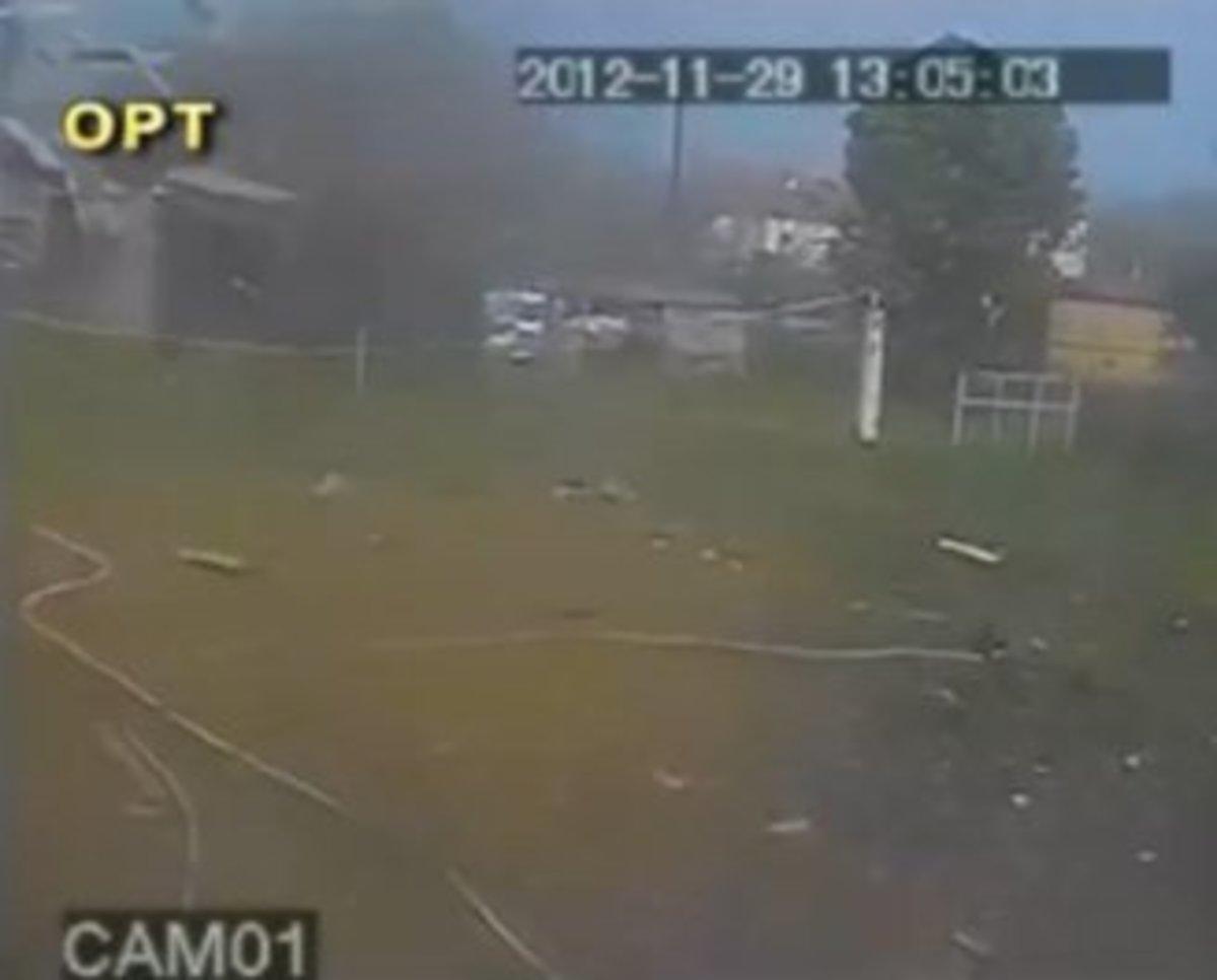 Η στιγμή που ο ανεμοστρόβιλος χτυπάει το Κατάκολο – Video | Newsit.gr