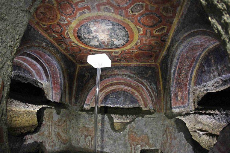 Αποκαλύφθηκαν οι αρχαιότερες νωπογραφίες των Αγίων Αποστόλων | Newsit.gr