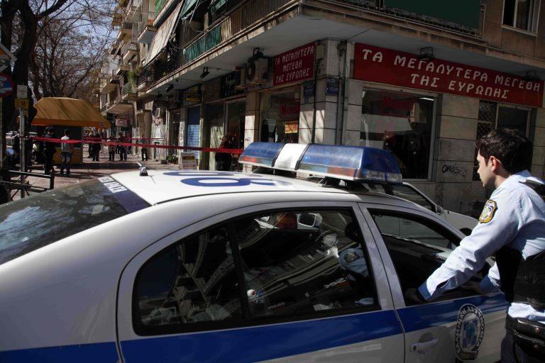 Μέσα σε δύο λεπτά «σήκωσαν» ολόκληρο κατάστημα στην Πάτρα! | Newsit.gr