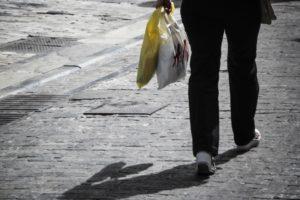Κυριακή ανοιχτά καταστήματα: Συγκεντρώσεις στην Πάτρα