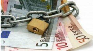 Συναγερμός για τα κόκκινα δάνεια και τα stress tests
