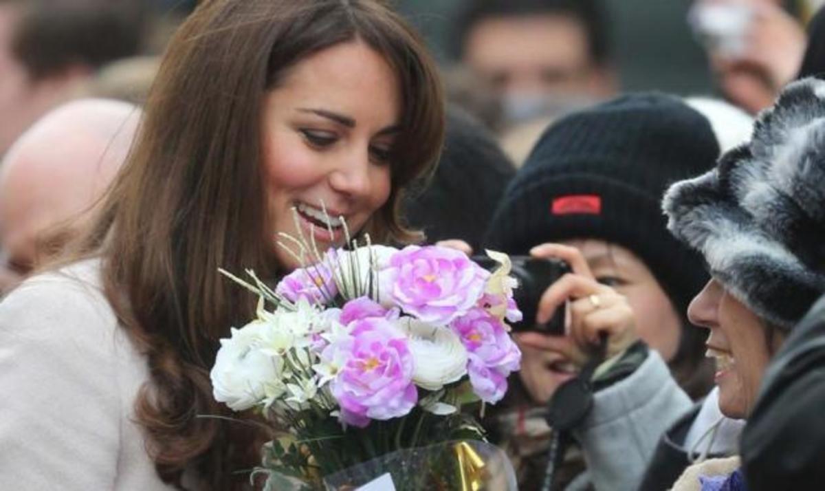 Είναι επίσημο! Η Δούκισσα του Cambridge είναι έγκυος | Newsit.gr