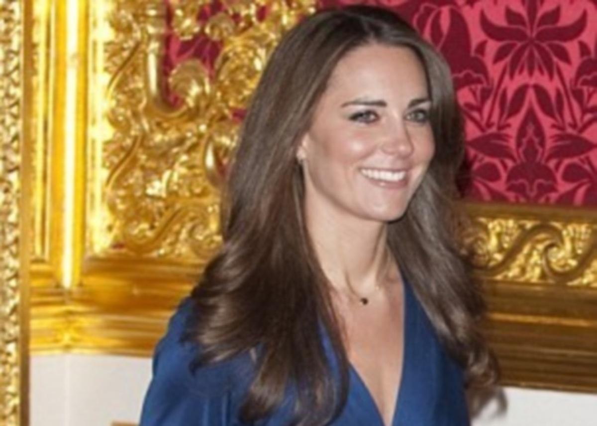 Το φόρεμα της Kate Middleton γίνεται δικό σου με ένα «κλικ»   Newsit.gr