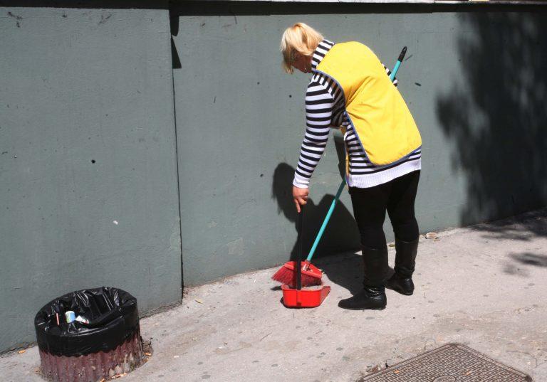 ΘΕΜΑ NEWSIT: Αλλοδαπή, ανασφάλιστη και χωρίς χαρτιά η καθαρίστρια που εργαζόταν σε πολιτικό | Newsit.gr