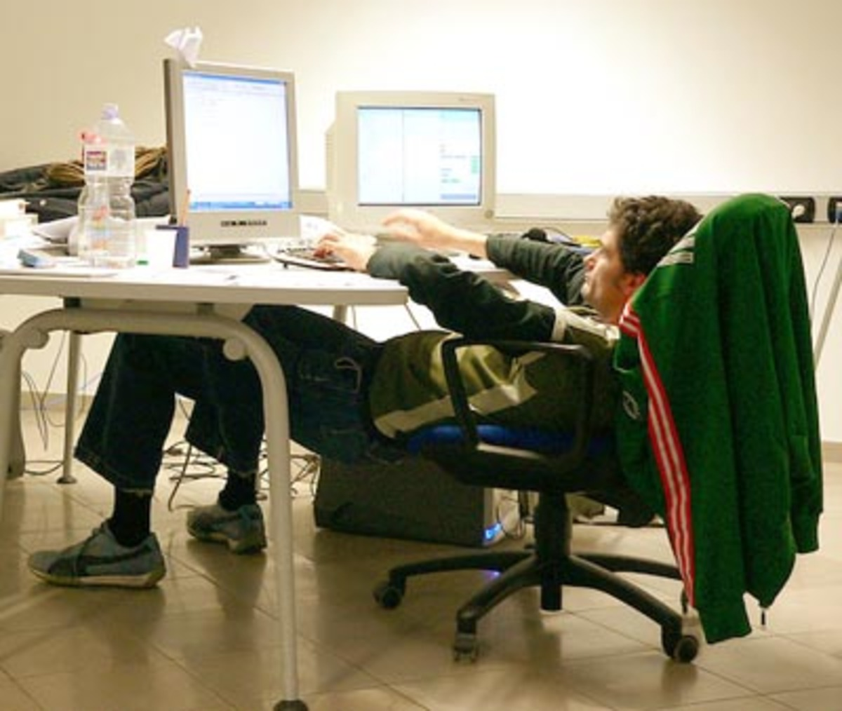 Η καθιστική δουλειά…σκοτώνει! | Newsit.gr