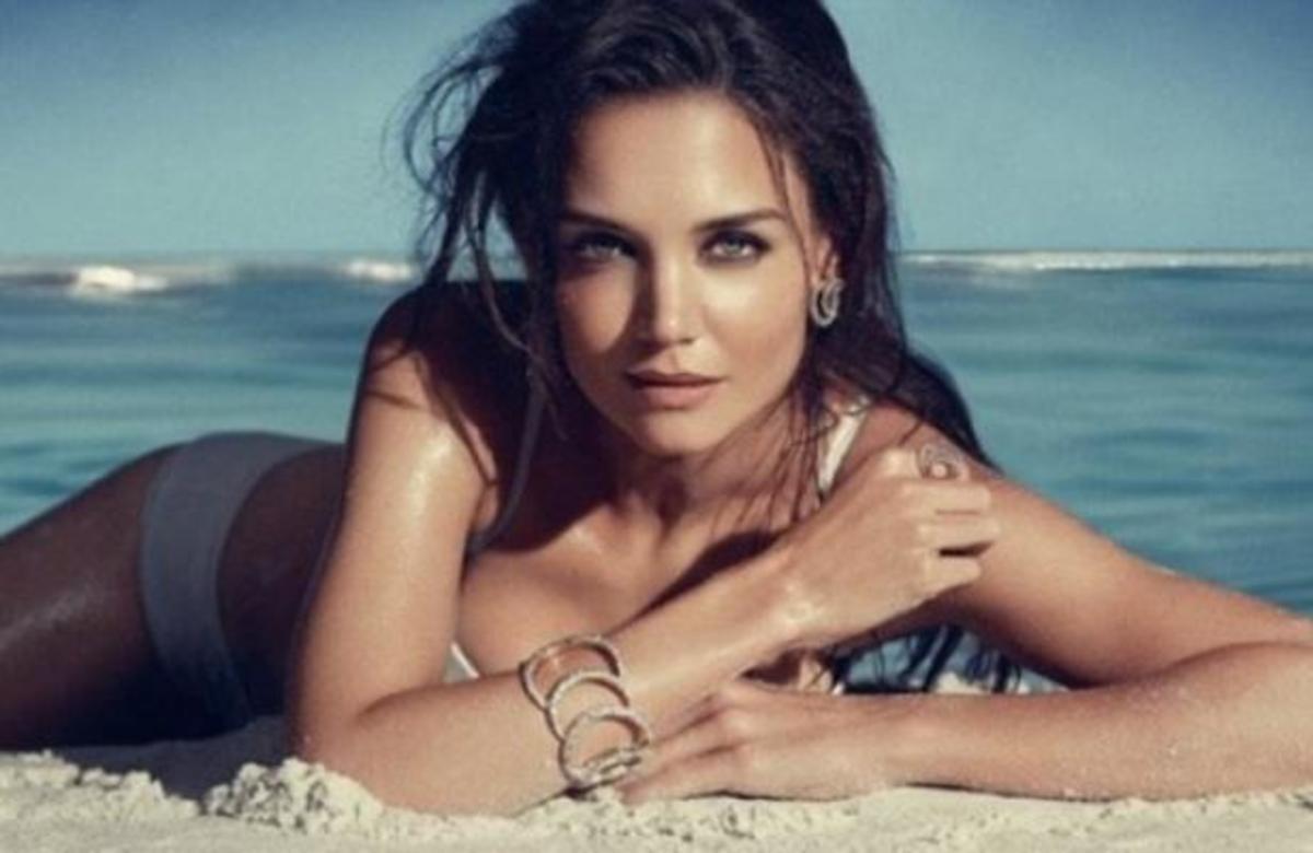 Η σέξι φωτογράφιση της Katie Holmes!   Newsit.gr