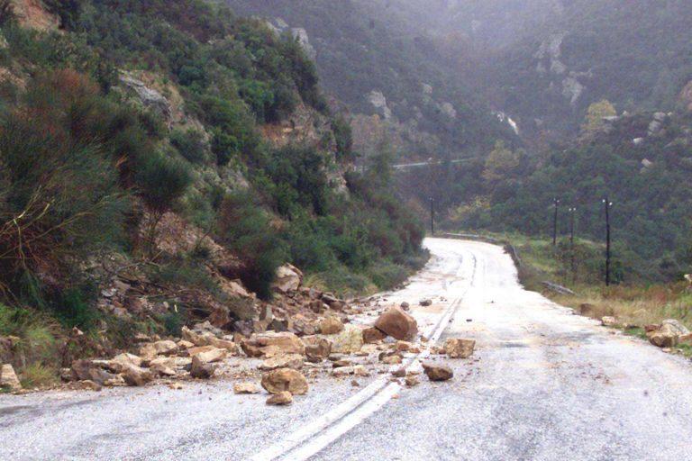 Νέες κατολισθήσεις από τις βροχοπτώσεις στα Γιάννενα   Newsit.gr