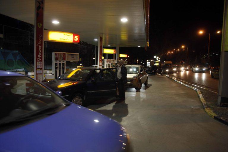 Οργιάζει το λαθρεμπόριο καυσίμων λόγω της υψηλής τιμής της αμόλυβδης | Newsit.gr