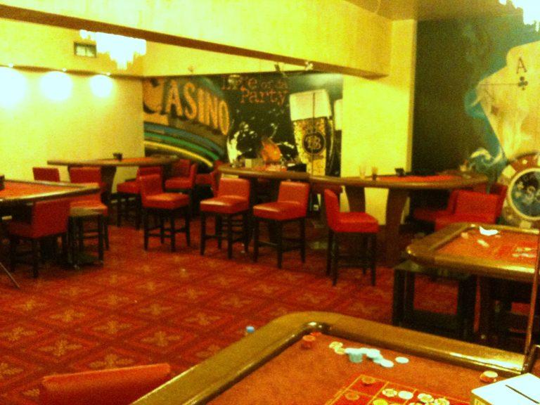Δεκάδες συλλήψεις σε μίνι καζίνο στην Αθήνα – ΦΩΤΟ | Newsit.gr